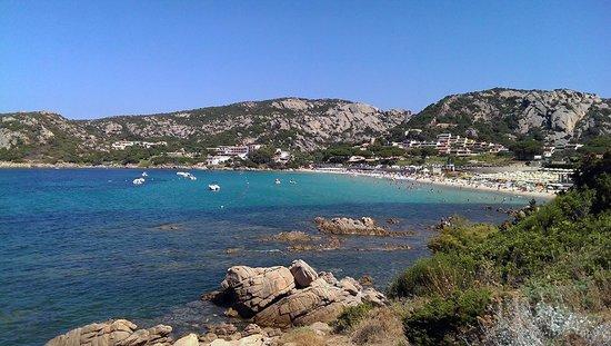Hotel Cormorano: Baia Sardinia bay area and beach