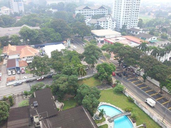 D-Villa Residence Hotel: Vue de la chambre