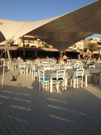 Atlantica Sensatori Resort Crete: Greek restaurant and breakfast for couples only