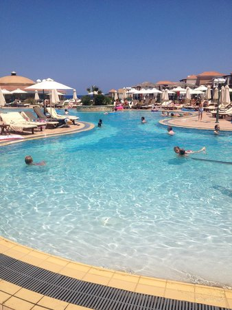 Atlantica Sensatori Resort Crete: Family swim area was excellent