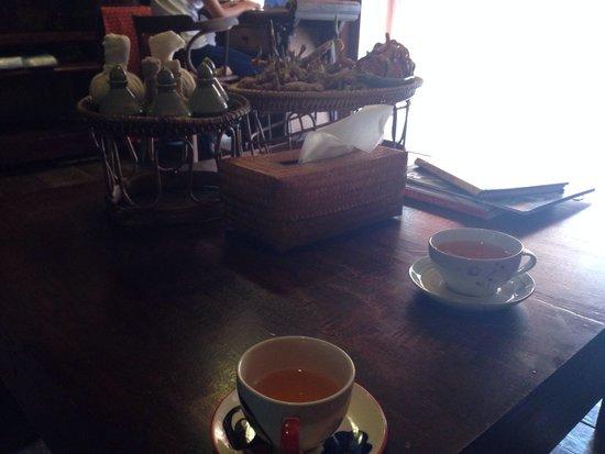 L'Hibiscus Spa: Tasse Tee nach der Massage