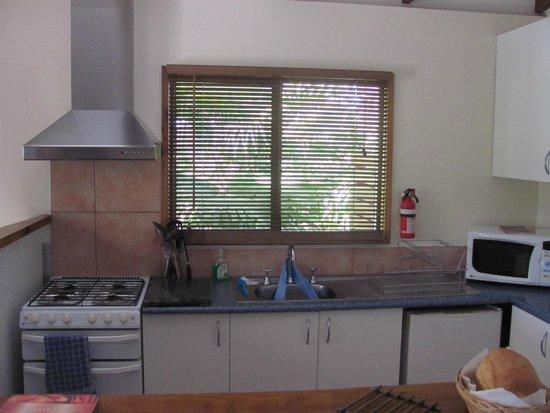 Hillcrest Mountain View Retreat: Kitchen