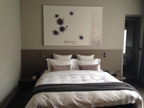 Hotel Cubo : Camera matrimoniale
