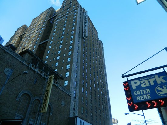 Row NYC Hotel : Row NYC from the outside