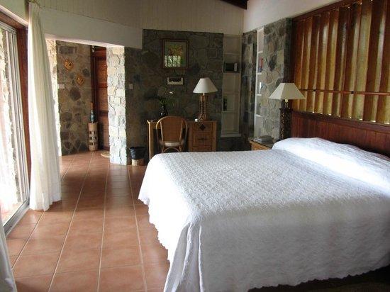 Young Island Resort: Bedroom, cottage 28