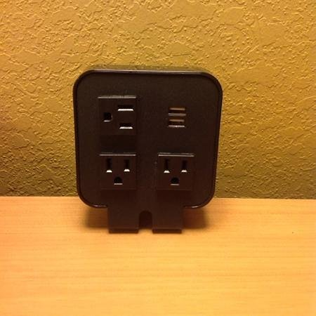Country Inn & Suites By Carlson, Lake City: Charging station