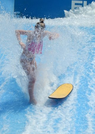 Wave House Sentosa: Wipe out!!!!!!!!!