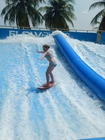 Wave House Sentosa: 10Y old about half way through the session