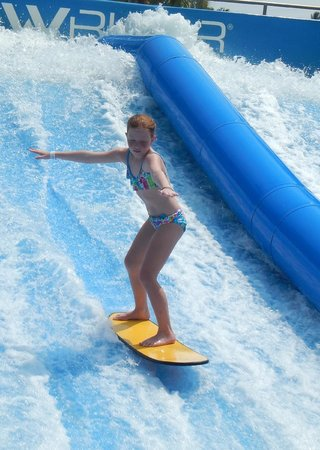 Wave House Sentosa: 10 yr old, getting the feel