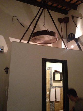 Sabir : Il bagno della camera. Molto bello