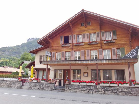 Hotel-Restaurant Alpina : Frontage