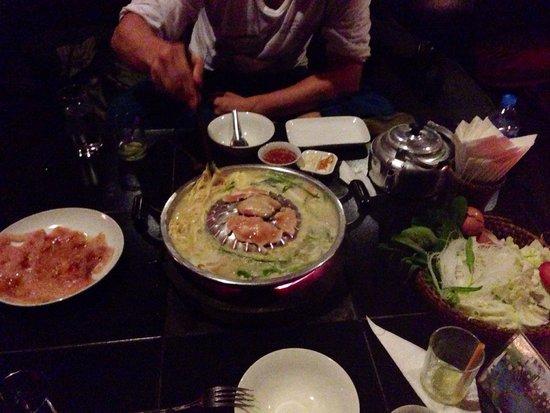 Dyen Sabai Restaurant: Lao-BBQ mit Chicken und sticky rice