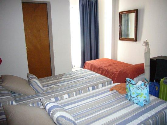 Mar Blau Tossa Hotel: hab triple