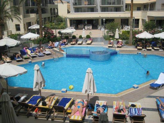 SENTIDO Pearl Beach: Main Swimming Pool