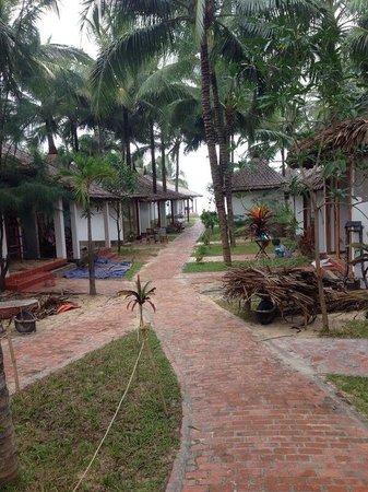 Ananda Resort: Allée de l'hôtel