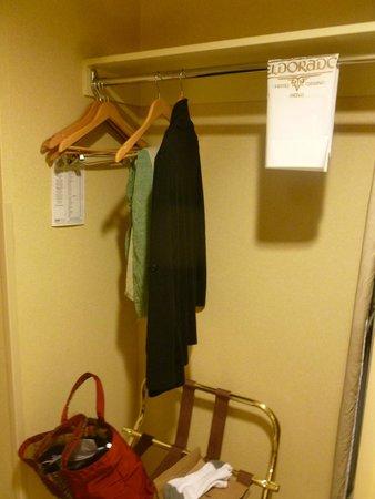 Eldorado Resort Casino : Hanging areas available near the closet.