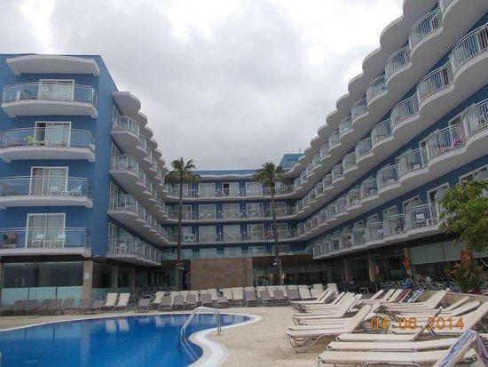Hotel Augustus: Вид на бассейн