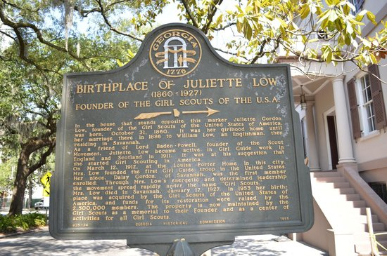 Juliette Gordon Low's Birthplace: The sign outside
