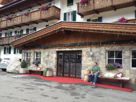 Wellness Hotel Fontana : Ingang van het hotel