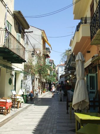 Aphroditi Pension Luxury Rooms: Typical Nafplio streets