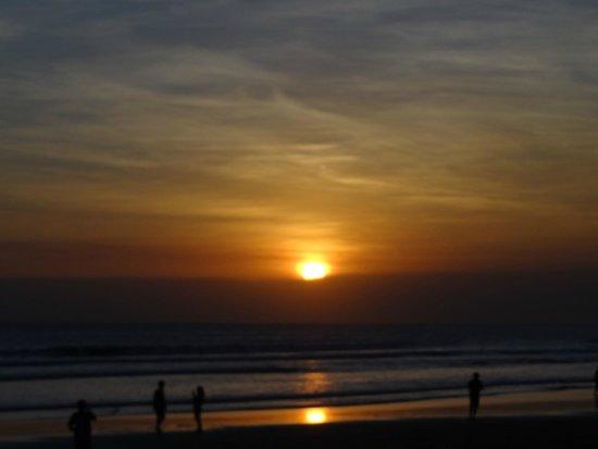Puri Raja: Sunset Legian Beach