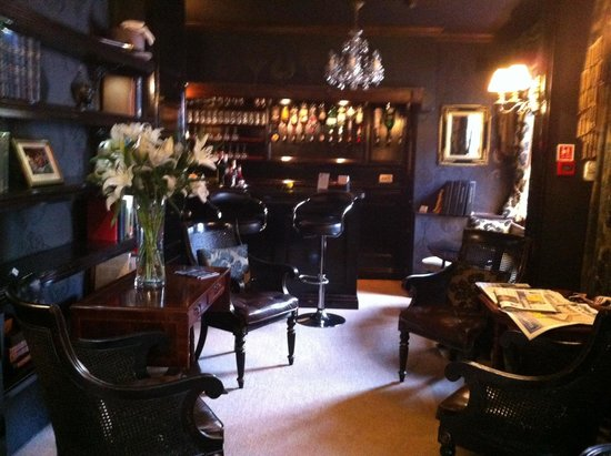 Jeake's House: The bar