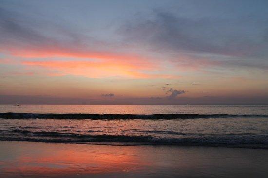 Oh Inspire Hotel: пляж Ката