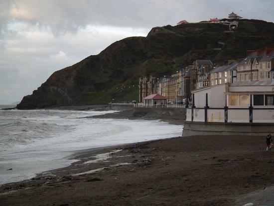 The Glengower: Aberystwyth promanade
