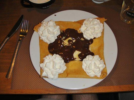 Crêperie Cadet Rousselle : Crêpe chocolat, banane et chantilly.