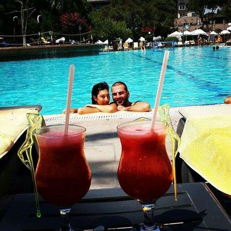 Papillon Ayscha Hotel Resort & Spa : Kokteyl biz ve havuz ������