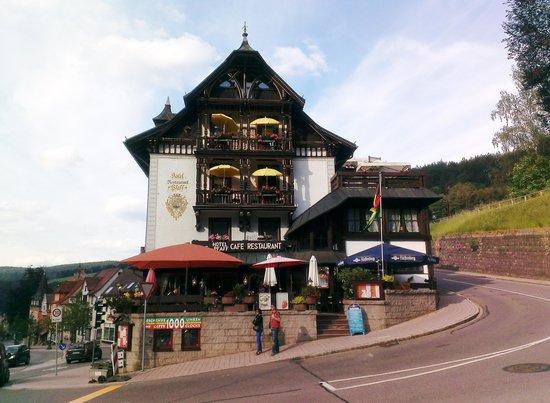 Hotel Restaurant Pfaff: Front of hotel