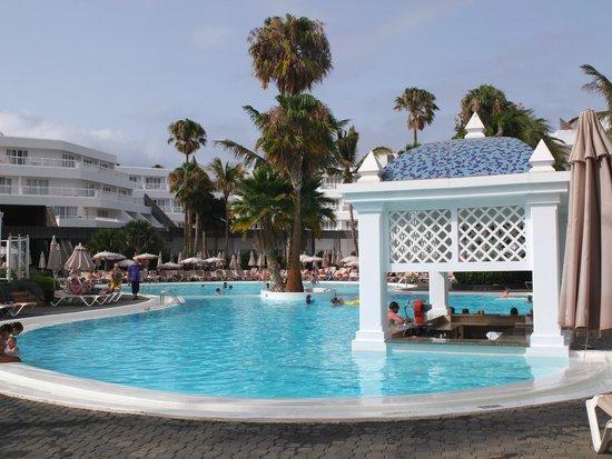 ClubHotel Riu Paraiso Lanzarote Resort: basenowy bar