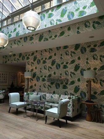 Haymarket Hotel: Sala adjascente à recepção:é um lugar para descancar,ler,relaxar.