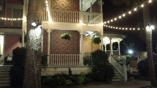 The Beaufort Inn: Night view