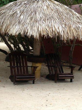 Sandals Montego Bay: Quiet beach tiki area to relax