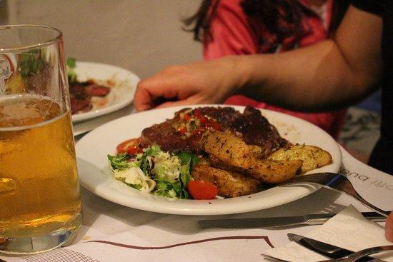 El Meson de Cervantes: entrecote argentine en ration! trop copieux