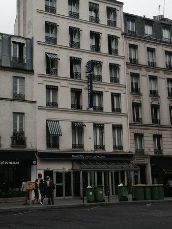 Timhotel Jardin des Plantes : Front of Hotel