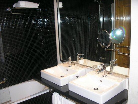Melia Maria Pita: Baño