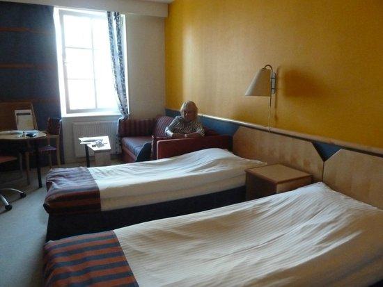 Katerina City Hotel: habitación