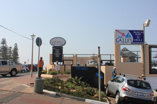 The Galley Beach Bar and Grill: Upper level on the inland side