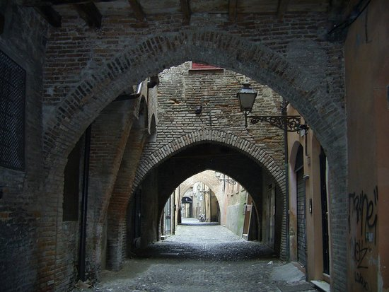 Via delle Volte: volti antichi