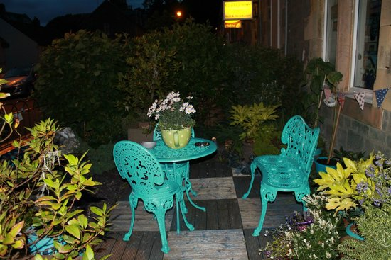 Lagganbeg Guesthouse: Cortile di notte