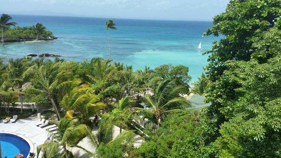 Luxury Bahia Principe Cayo Levantado Don Pablo Collection: Vistas desde el ascensor que baja a la playa privada del hotel