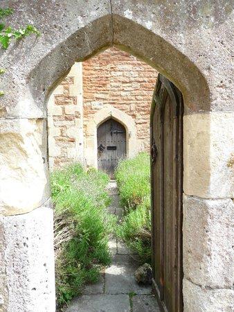Vicar's Close : portone