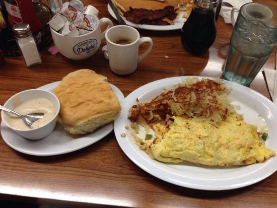 Kelley's Country Cookin': Omelet, hash browns, and biscuit.