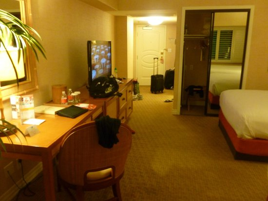 Tropicana Las Vegas - A DoubleTree by Hilton Hotel : Bedroom is spacious with a feel of luxury