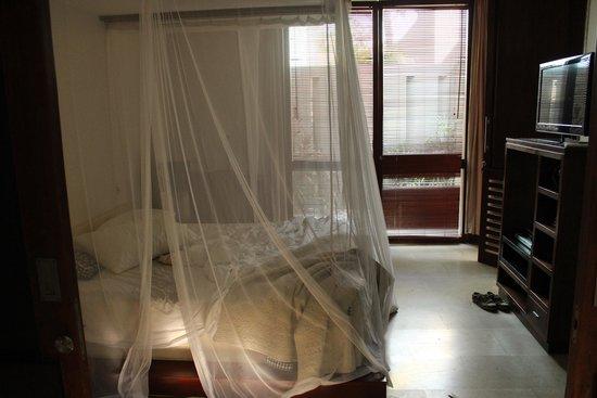 Di Astana Villa: Bedroom