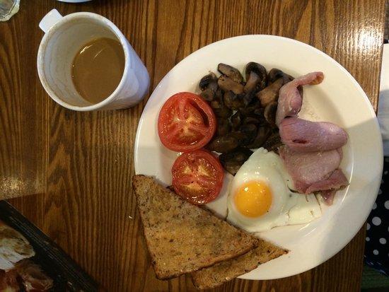 Premier Inn London Stratford Hotel: Hot breakfast