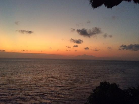 Euro Dive Bali : sunrise (lombok in the distance)