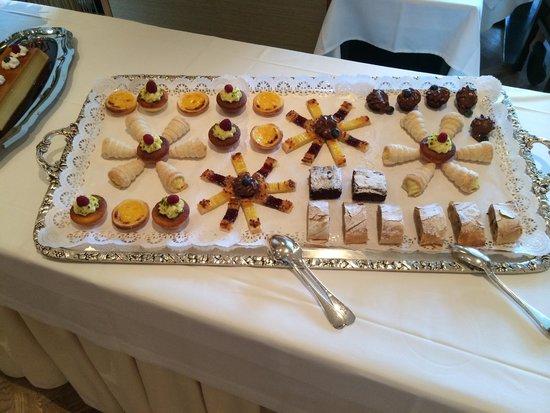 Beausite Park Hotel: More Dessert Buffett